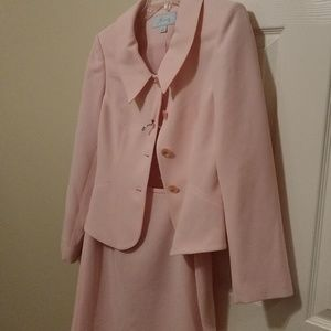 JH Collectibles Suits/ Light Pink/